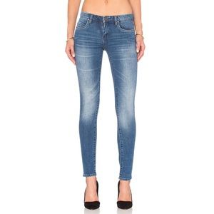 Blank NYC   Skinny Classique Jeans in All Day Wash